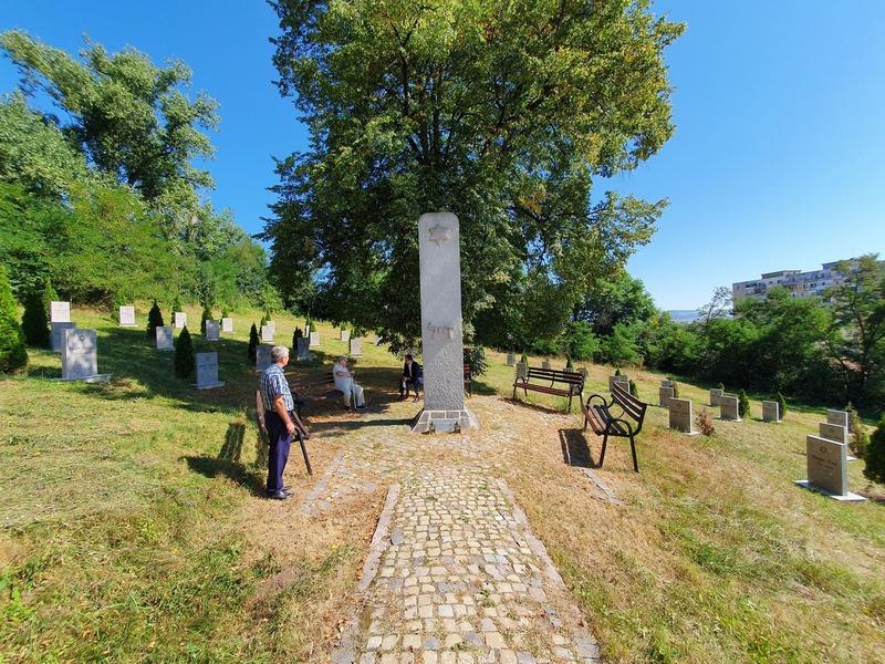 Közösségi térré változtatnák a sírkertet (Sepsiszentgyörgyi zsidó temető)