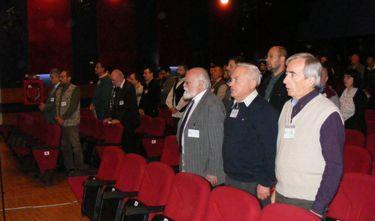 Spontánul énekelték a magyar himnuszt a résztvevők. A szerző felvétele